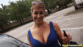 Short haired blonde MILF nympho Ryan gets a hardcore plowing