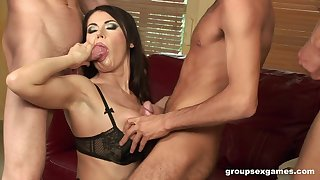 MILF nympho brunette Eva Karera filled with cum in a gangbang